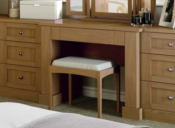 Fitted dressing table with a matching stool