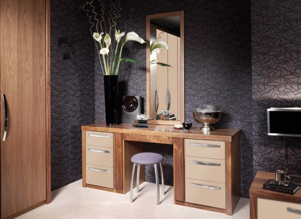 Dressing table in a soft painted finish