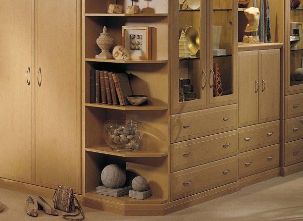 Fitted corner shelves