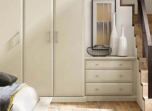 Stylish wardrobe doors and handles