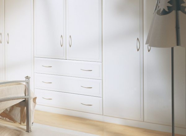 Integrated drawers and wardrobes