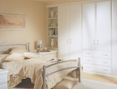 Fitted bedroom in Dove White