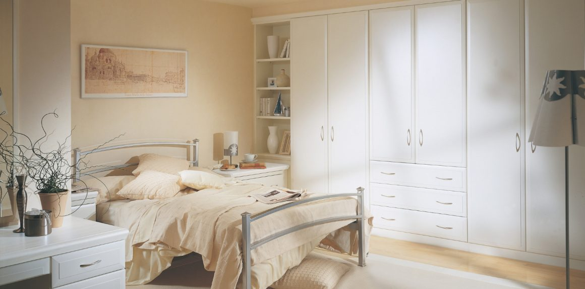 Alto Dove White Bedroom