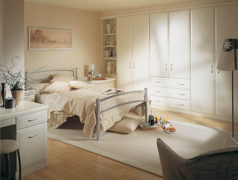 Alto bedroom in Alabaster White
