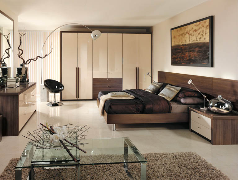 Capri bedroom in High Gloss Cream & Dijon Walnut