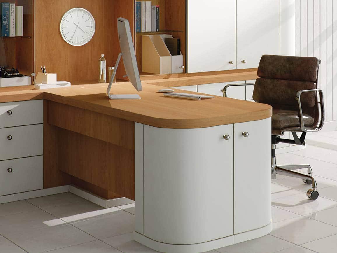 Desk in natural oak and pure white