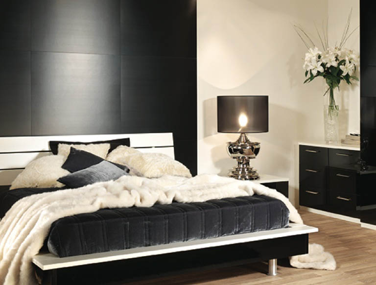 Portofino bedroom in Gloss Black & Alabaster White