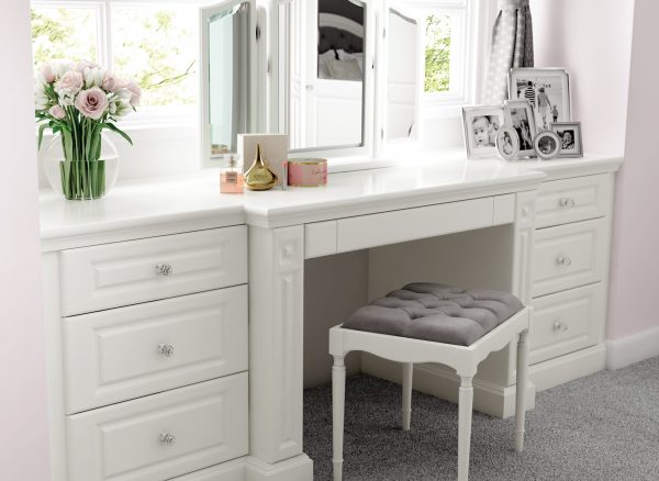 Fitted dressing table with low storage