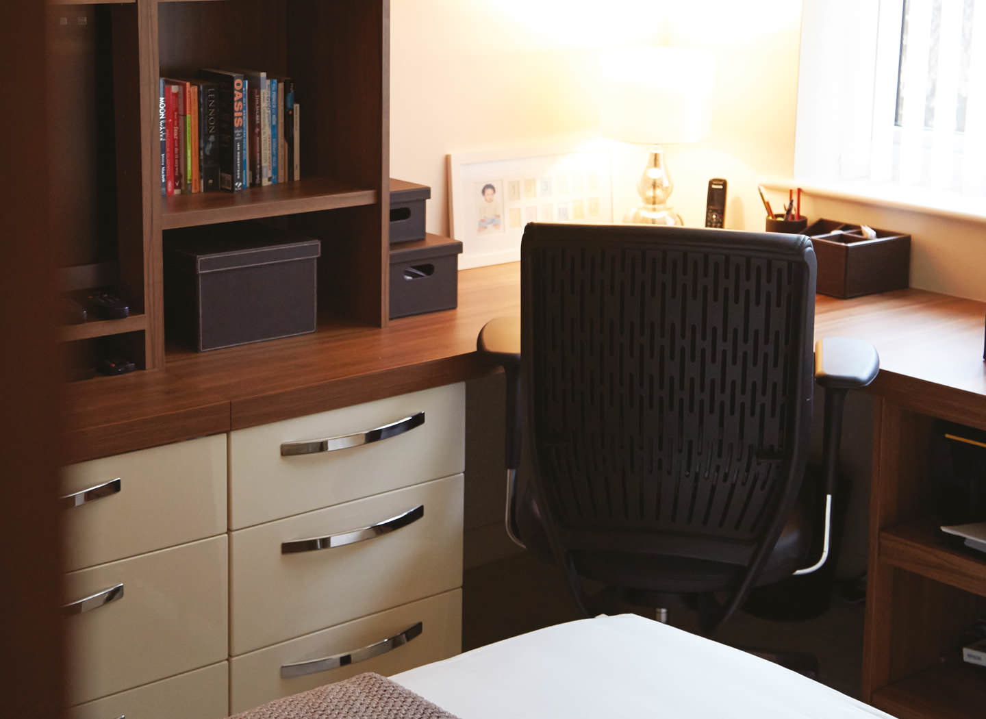 Case study showing curved fitted desk in study bedroom