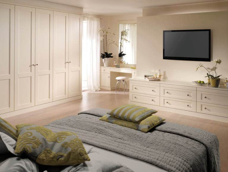 Verona bedroom in Alabaster White