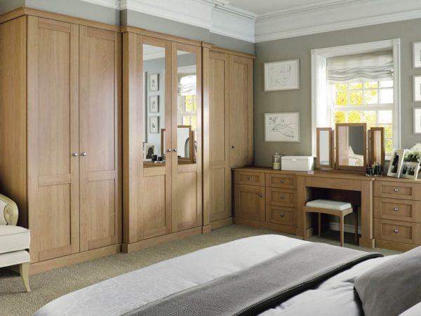 Fitted mirrored wardrobe door
