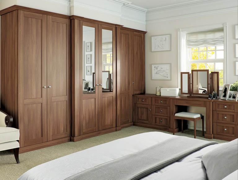 Verona bedroom in Uno Walnut