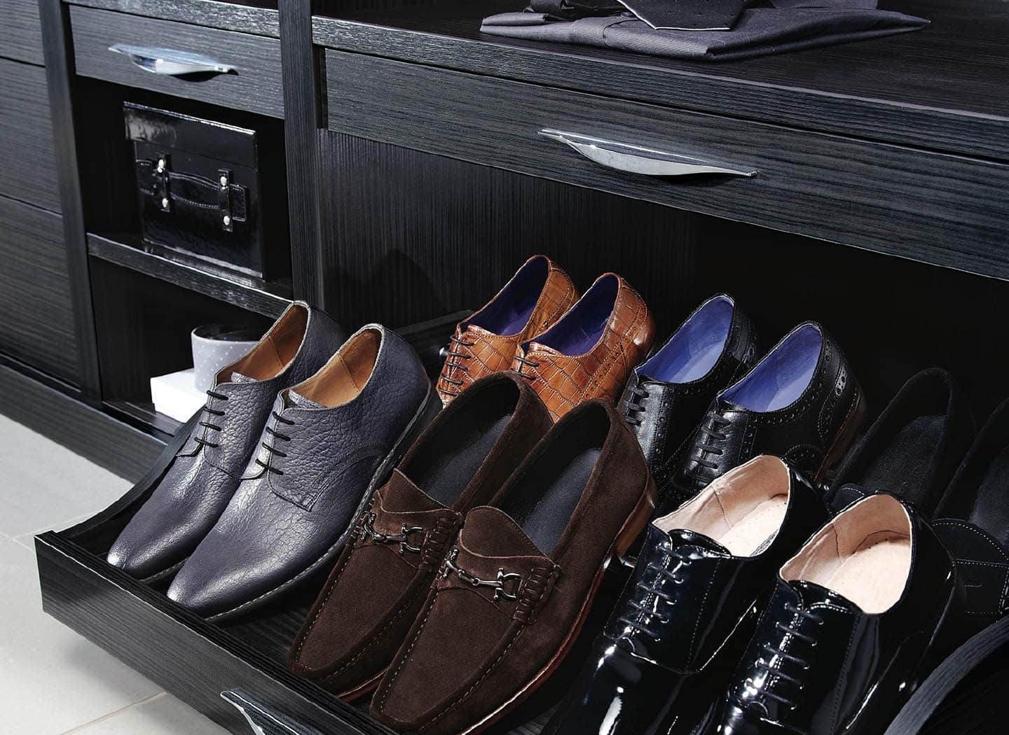 Shoe rack in Aura Black walk in wardrobe