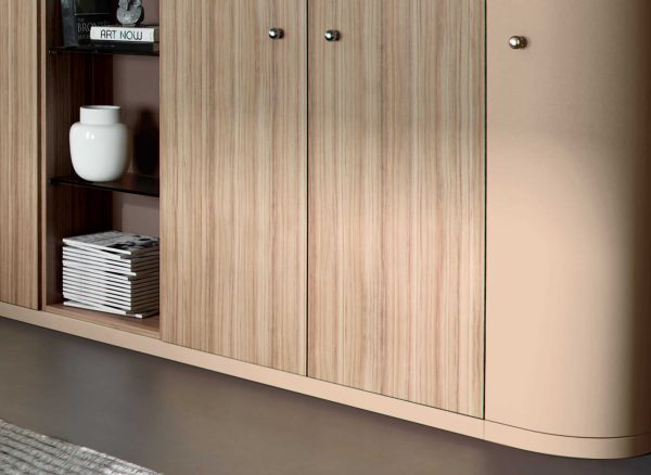 Bespoke wardrobes with curved profiles