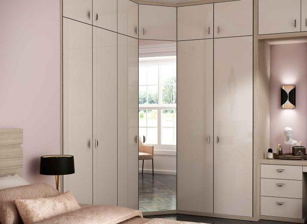 Angled corner wardrobe