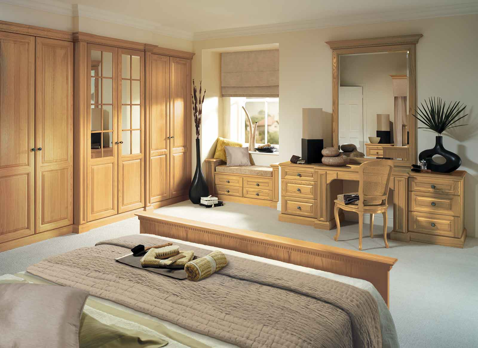Traditional fitted bedroom furniture by strachan furniture for Traditional bedroom furniture