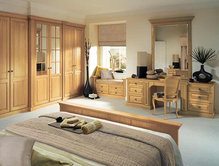 Shades of oak bedroom furniture in natural oak