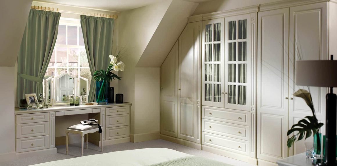 New England fitted bedroom in Alabaster White