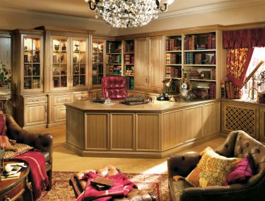 Traditional home office in shades of oak