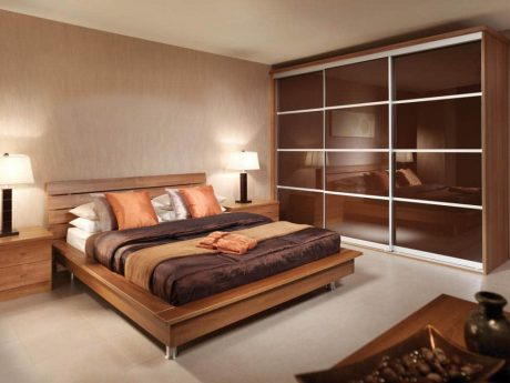 Contemporary fitted sliding wardrobe doors