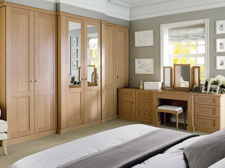 Verona bedroom fitted furniture in English Oak