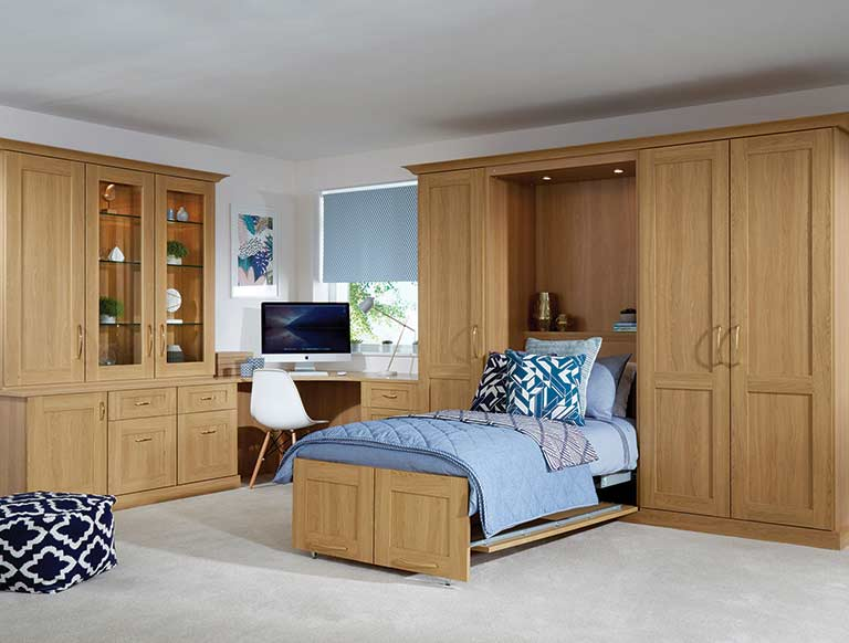 Fitted wall bed in Oak