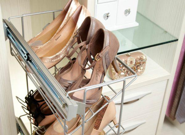 Slide out shoe rack