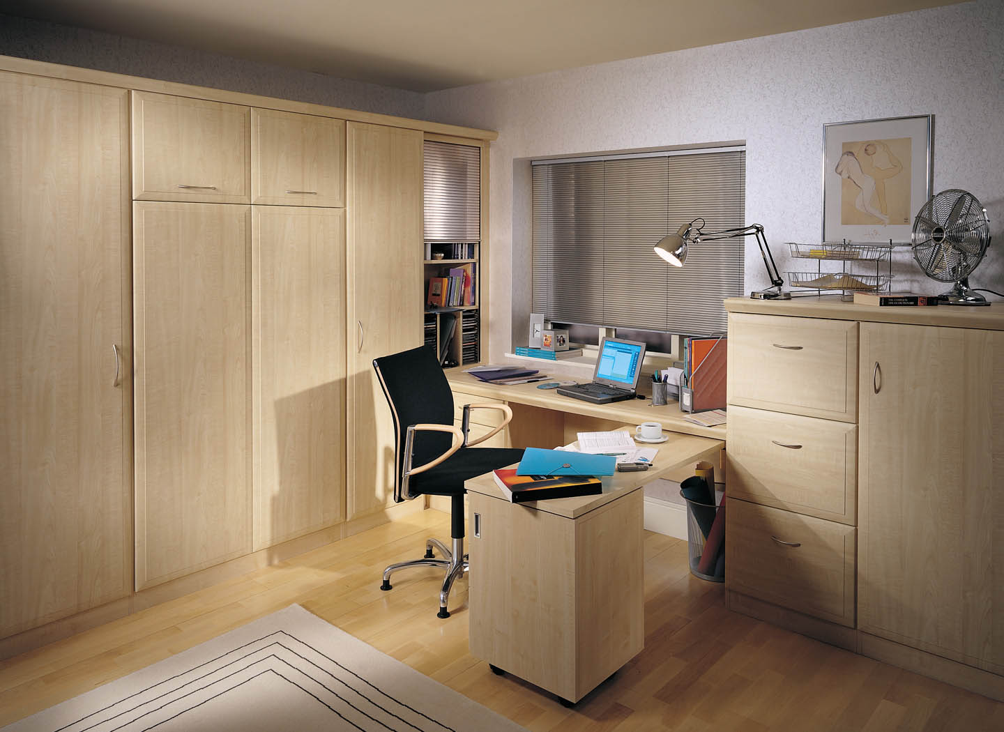Alto study with wall bed and fold away desk